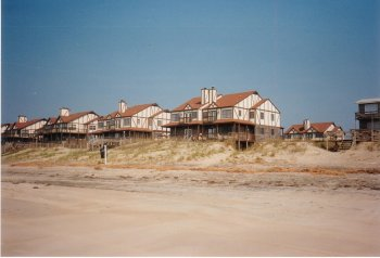 04R. Hatteras Island, North Carolina - Holiday developement on the Outer Banks.